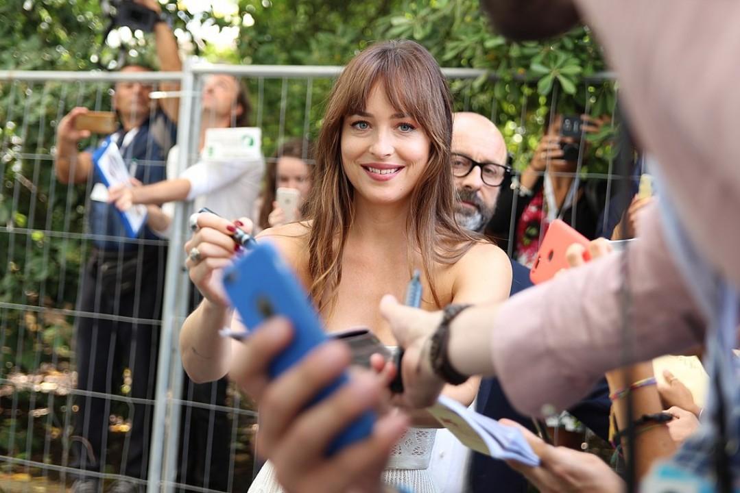 Dakota Johnson obejmie główną rolę w ekranizacji powieści Jane Austen